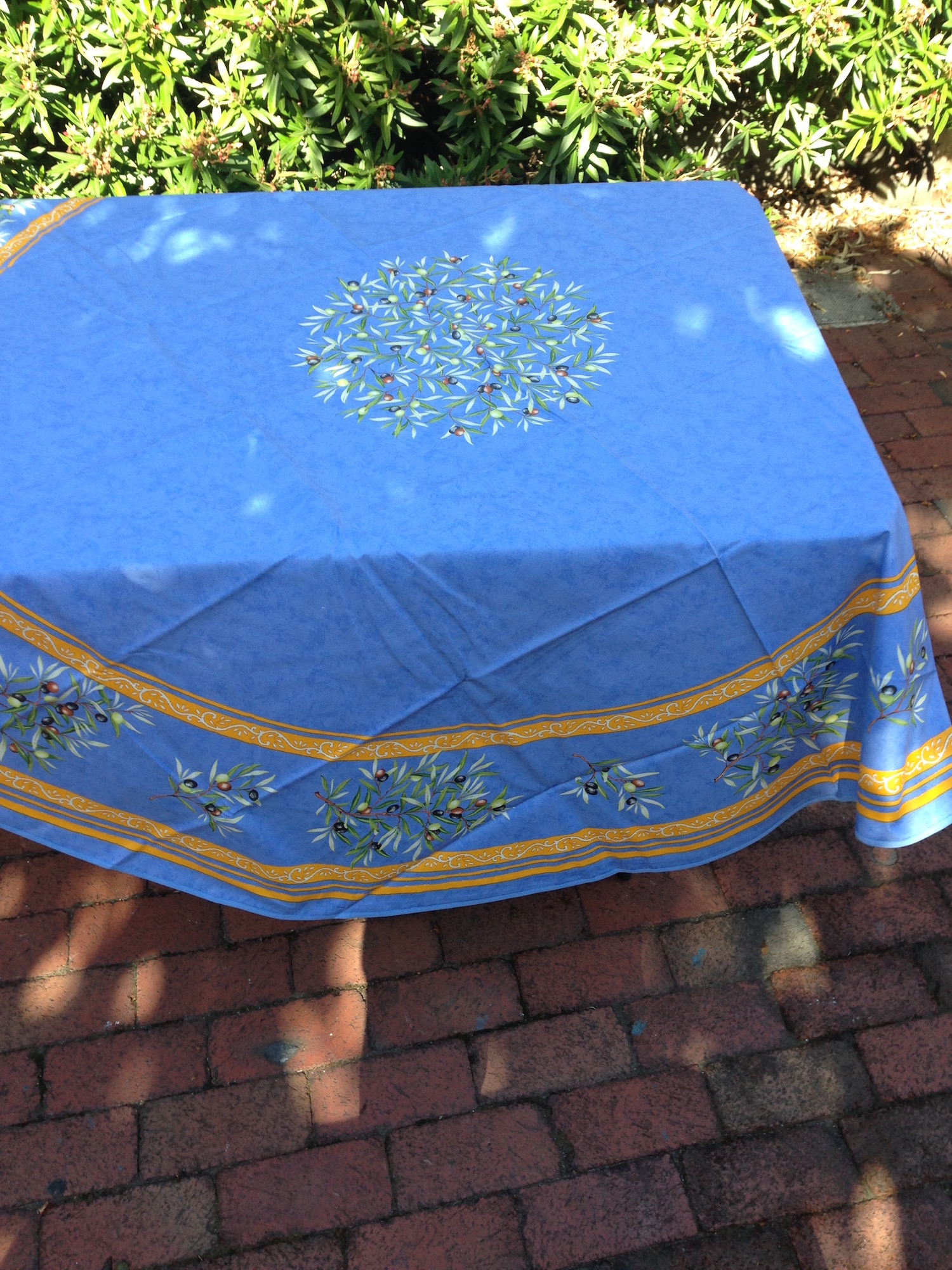 Coquelicot From Provence. Tablecloths Beautiful 70 Round Oilcloth Tableclo  Tztackle. Oilcloth Round Tablecloth 70 Inch